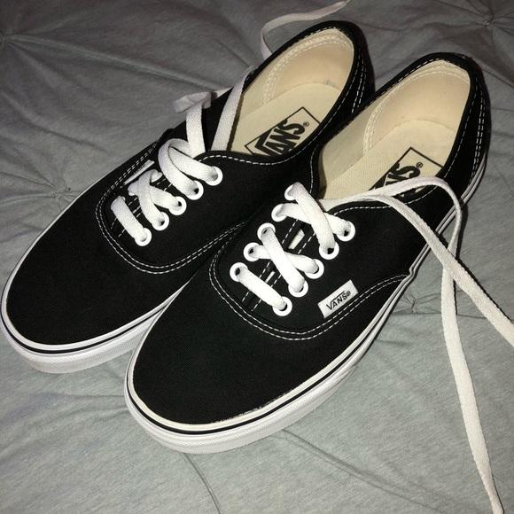 efa4986ef3 Black Vans Womens Size 8. M 5acfad26fcdc318907e51b00